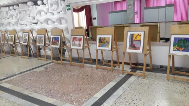 Выставка работ, посвященная дню рождения любимого города