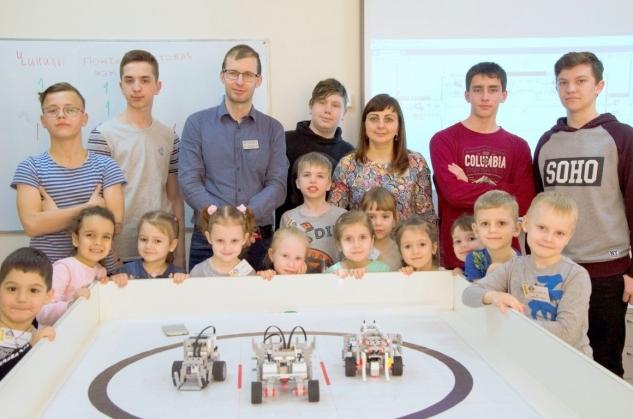 «Элита» в гостях у Робототехники
