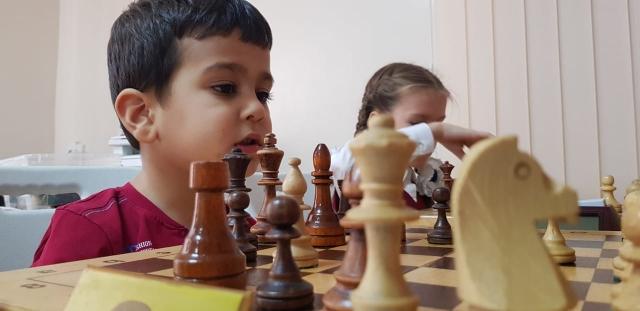 Первые шаги юных шахматистов